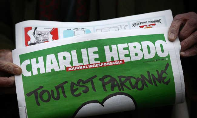 Az orosz repülőbaleseten gúnyolódik a Charlie Hebdo