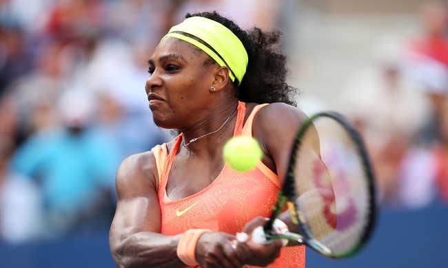 Serena Williams kutyakaját evett, rosszul lett, de bejutott a legjobb nyolc közé - videó