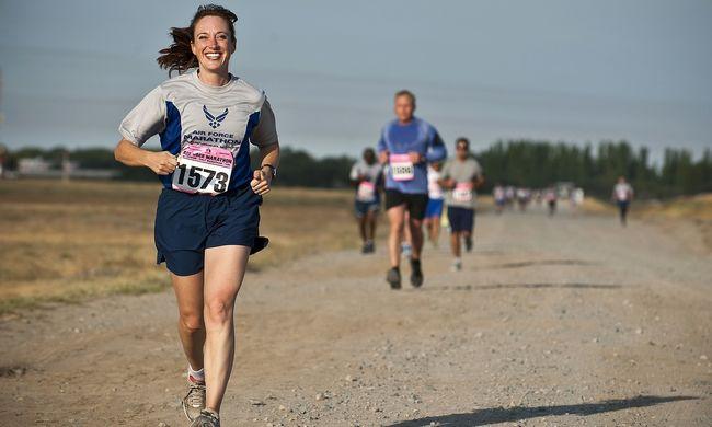 A legvidámabb futóverseny: sört kellett inni a frissítőpontokon