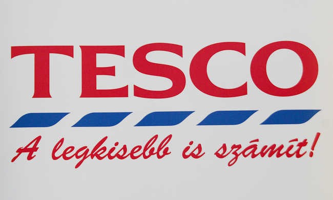 Kevés a fizetésük másokhoz képest, sztrájkolhatnak a Tesco dolgozói