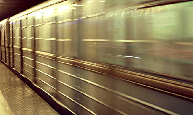 Füstölt a metró a Keletinél