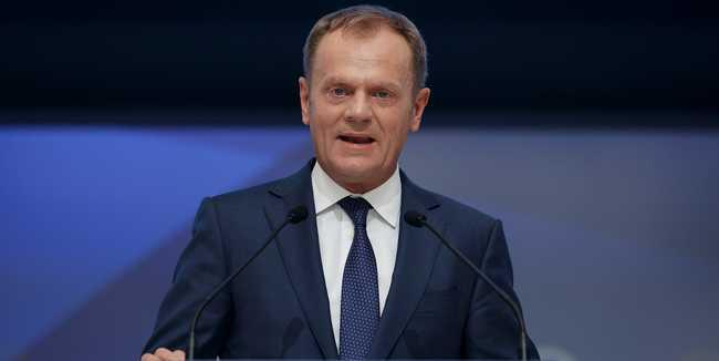 Tusk: biztosítani kell a határokat, különben Schengen szétesik