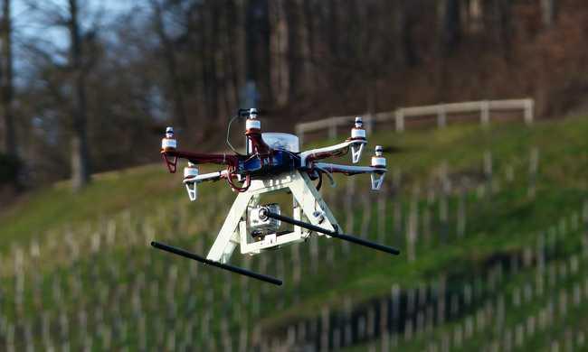 Drónrendszám és drónjogosítvány jöhet