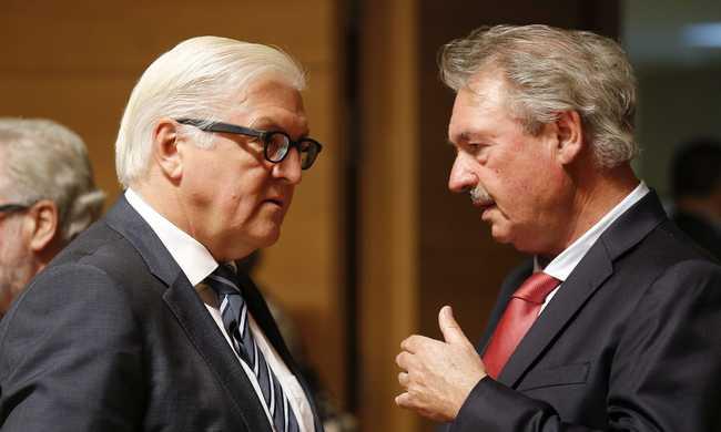 Asselborn: széteshet az EU