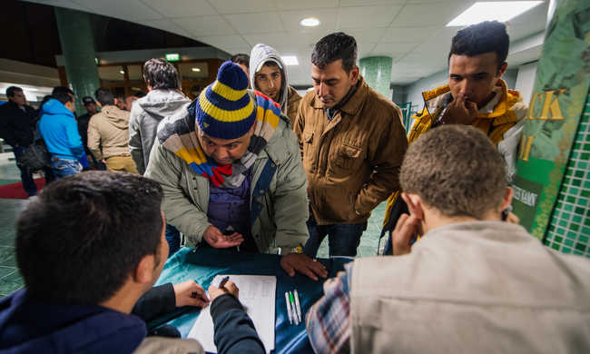 Svédország megtelt migránsokkal, a hadsereg is közbelép