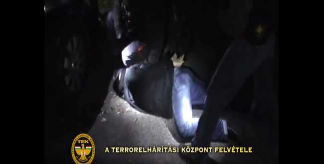 Elfogták a rabló rendőrőrmester barátját - videón a TEK akciója!