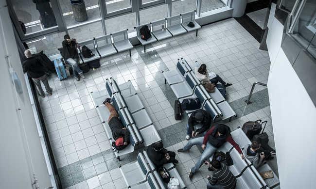 Terrorveszély: begyűjtik a légi utasok adatait