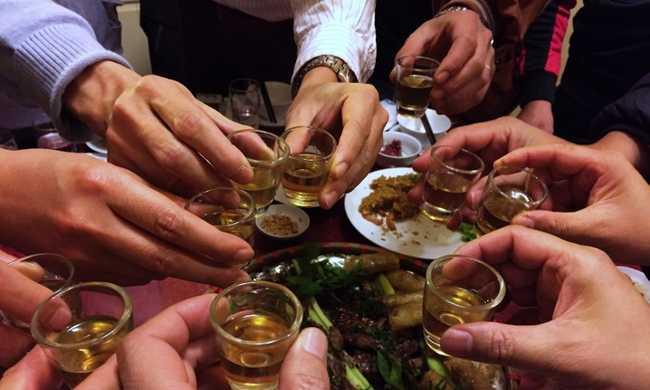 Beérték a nők a férfiakat: ugyanannyit isznak