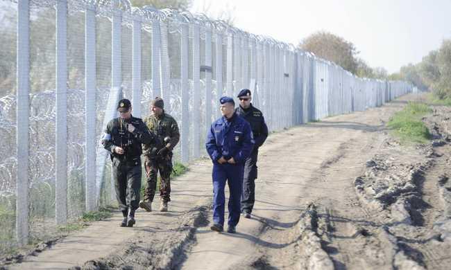 Akár egy hét alatt is megépülhet a kerítés a román határon