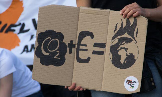 Obama felhívta a francia államfőt a klímakonferencia miatt