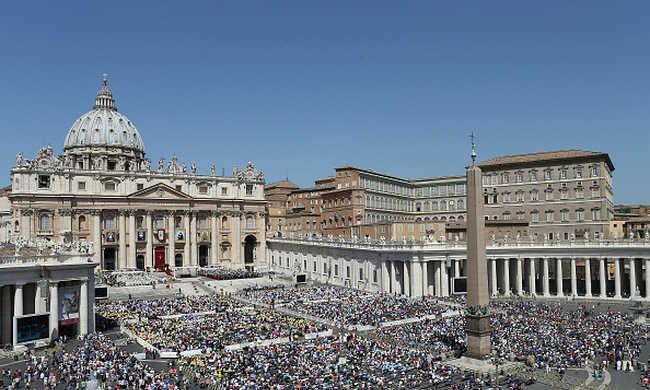 Vatikán: az emberiség békéjét érte támadás