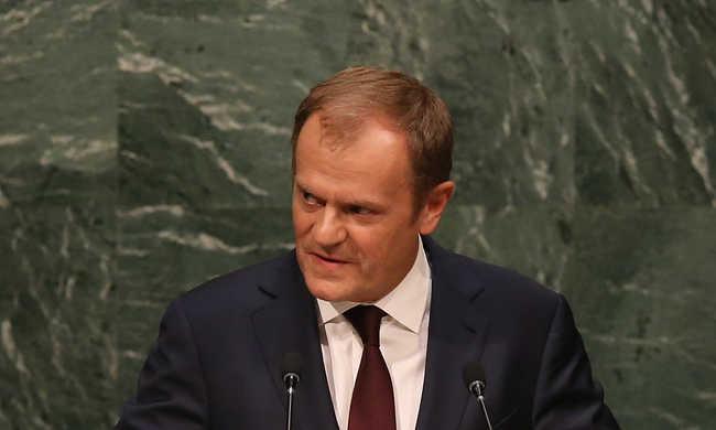 Tusk: Franciaország nincs egyedül
