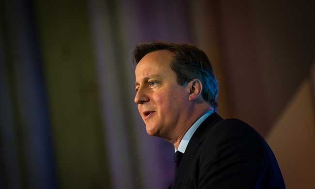 Cameron segítséget ajánlott a francia kormánynak