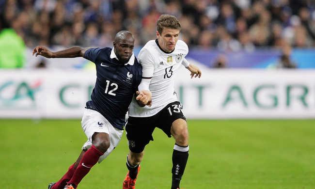 Meghalt egy francia válogatott focista rokona is