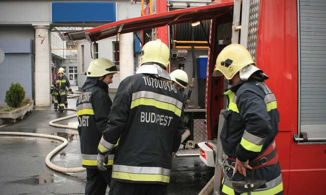 Hatalmas lángok csaptak fel az otthonban: egy ember meghalt az épületben