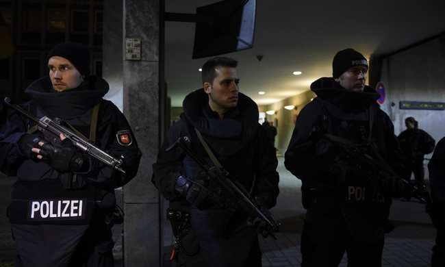 Terrorveszély Hannoverben - a rendőrség mindenkit hazaküld