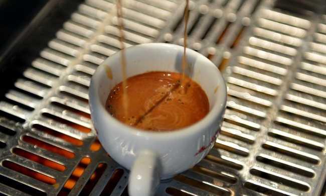 A kávé tényleg életet menthet