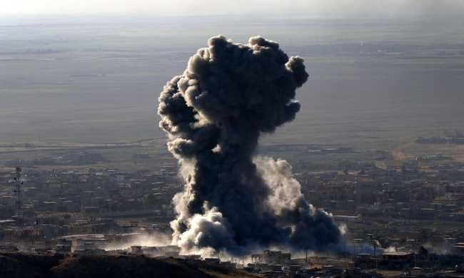 Rengeteg civil, köztük gyerekek haltak meg légicsapásokban Rakkában