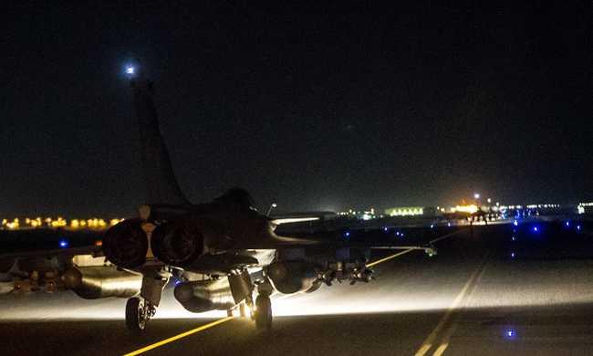 Kedden este is az Iszlám Államot bombázzák a franciák