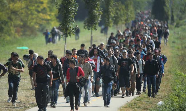 """""""Nincs helye Európában más kultúrákból érkező emberek millióinak"""" - Görgényi Tamás: Manitou megbocsát"""