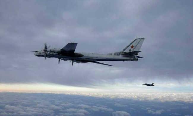 Párizsért bombázták Szíriát