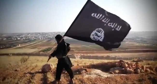Kivégzéses videóban üzente az Iszlám Állam gyerekterroristája, hogy megtámadják Angliát