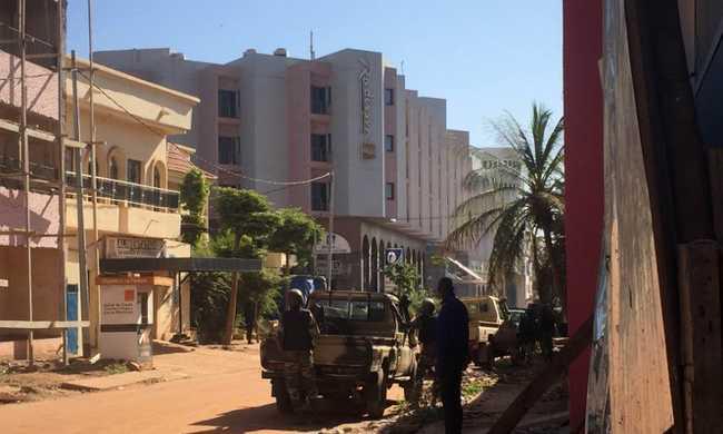 Túszdráma: katonák megrohamozták a szállodát, többen meghaltak