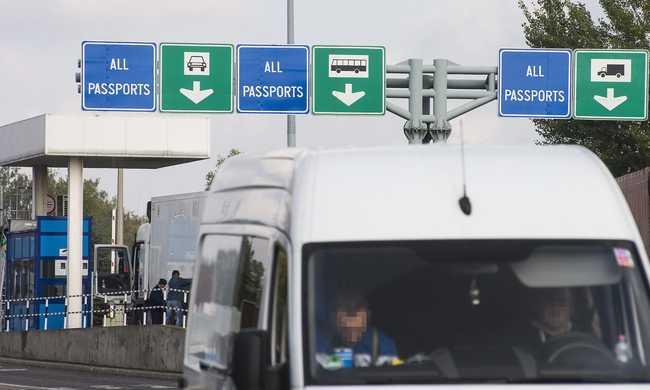 Lassan lehet átjutni a román határon