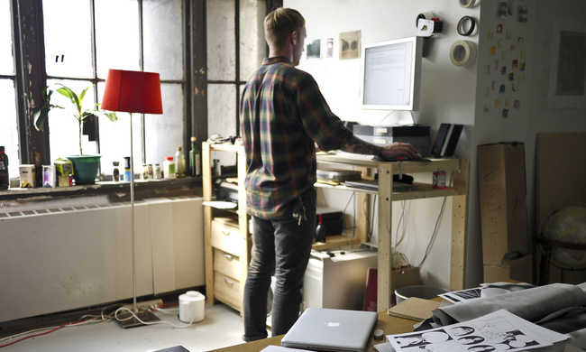 Ha állva dolgozunk, nem hízunk el