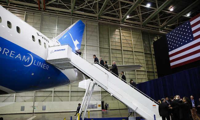 A terrorveszély miatt csökkenhet a légitársaságok bevétele