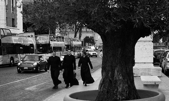 Egyre kevesebb a pap Magyarországon