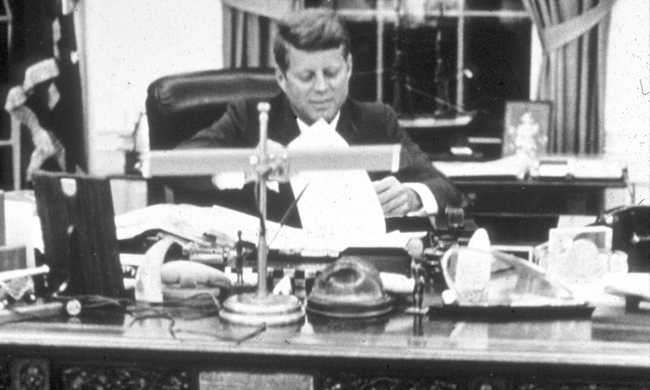 Elárverezik Kennedy szeretőjének írt leveleit