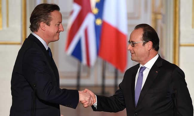 Hollande: biztosnak kell lennünk, hogy nem lépnek be a terroristák cinkosai az országunkba