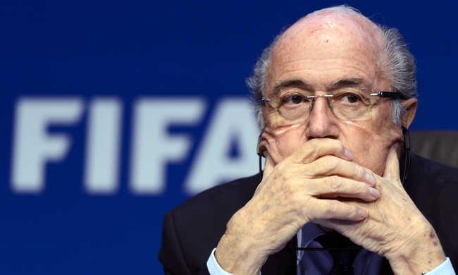 Éneklő angyalokról beszélt a FIFA eltiltott elnöke