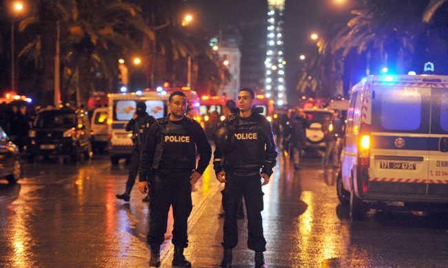 Tuniszi terrortámadás: legalább 12 halott