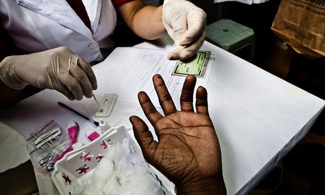 Szándékosan fertőzte meg betegeit HIV-vírussal az orvos