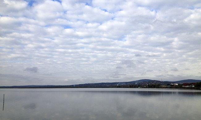 Egyre népszerűbb a Velencei-tó, beindult a lakásépítés