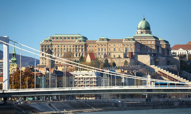 Lezárások és korlátozások: az autósok rémálmává válik Budapest