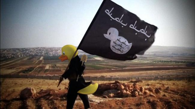 Gumikacsákkal harcolnak az Iszlám Állam ellen