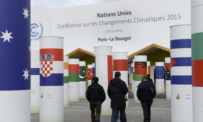 Szigorú biztonsági készültség mellett kezdődik a párizsi klímacsúcs