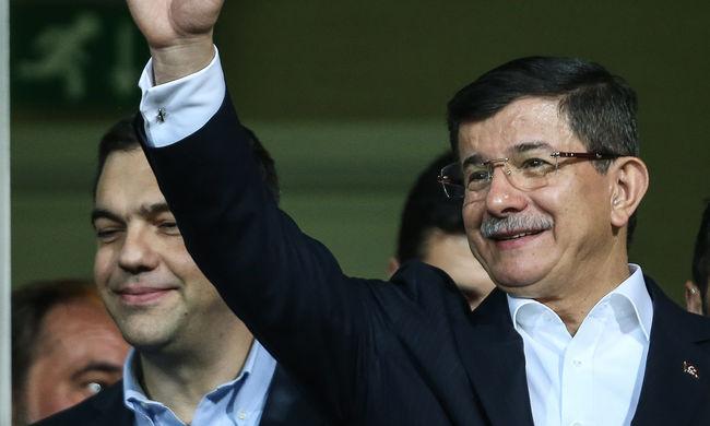 A kurdok közé látogatott a török miniszterelnök