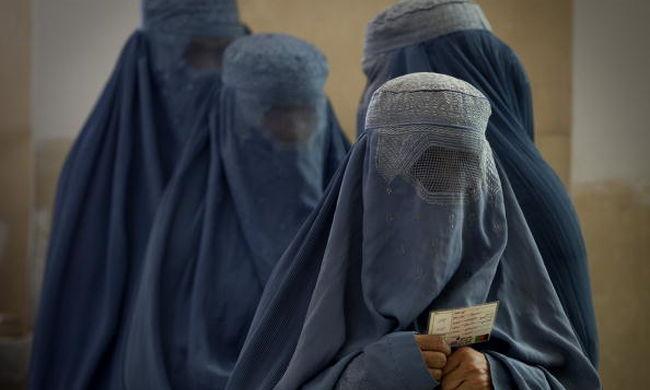 Németországban megtilthatják az arcot eltakaró burka viselését