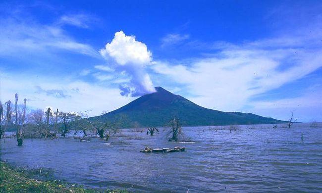 110 év után újra kitört a vulkán - videó