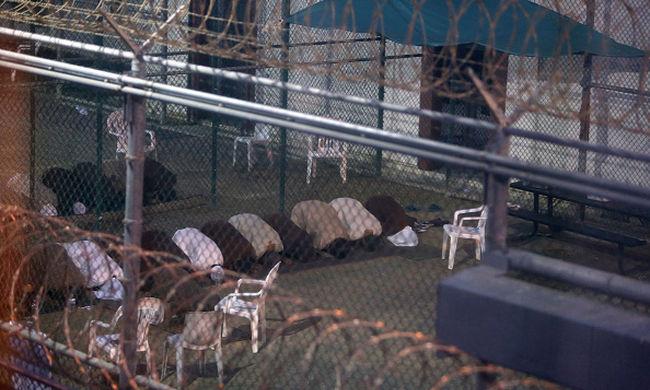 Szaúd-Arábiába szállítják a guantánamói foglyokat
