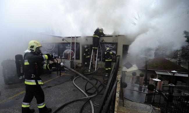 Leégett egy gyömrői étterem - fotók