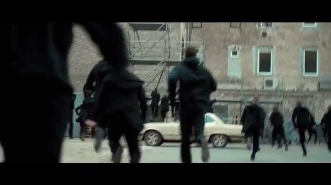 Videó: fekete ruhás emberek rohangáltak Budapesten