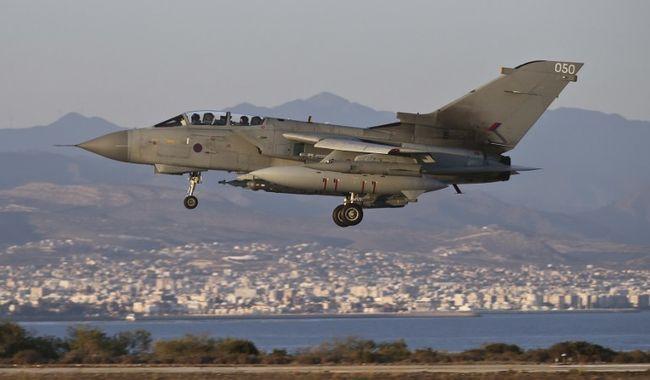 Megerősítették: máris bombáztak a brit gépek Szíriában