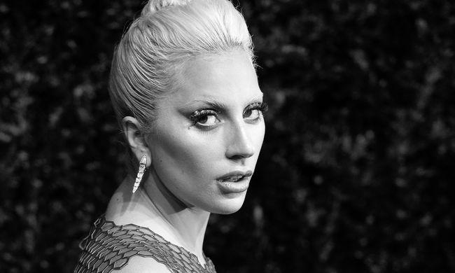 Elárverezik Lady Gaga első zongoráját