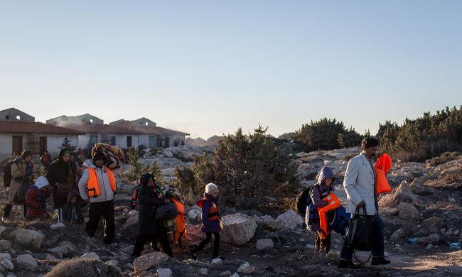 Robbanóöveket és robbanószert találtak a menekülteknél
