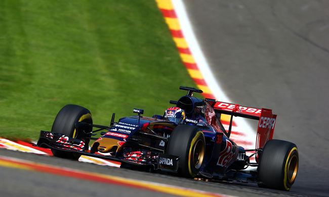 Forma-1: A 18 éves Verstappenről szólt az FIA gálája, három díjat is nyert
